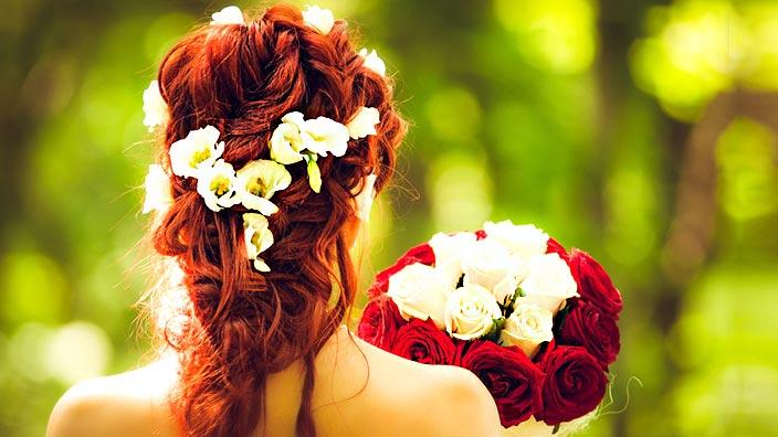 花嫁とウェディングブーケイメージ