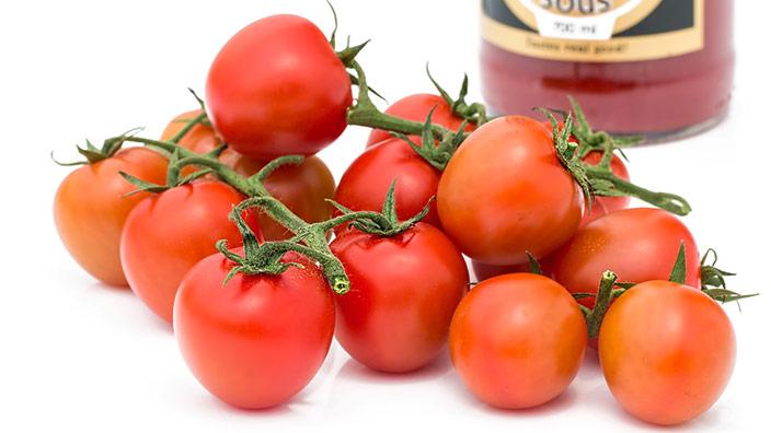 トマトとケチャップのイメージ
